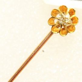 9ct Gold Diamond Solitaire Flower Pin