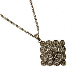 New 9ct White Gold CZ Fancy Necklace