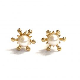 New 9ct Gold Synthetic Pearl Stud Earrings